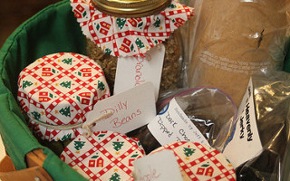 Kathie Lapcevic|Christmas Gift Baskets 2009